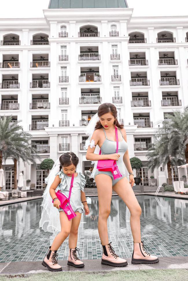 """Vợ tỷ phú ngành nhựa Sài thành mặc áo bơi, quần tập ra đường """"không hề giả trân"""" - hình ảnh 5"""