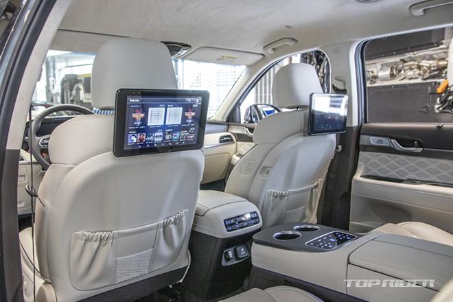Ảnh thực tế Hyundai Palisade VIP với nội thất xịn xò không thua kém Maybach Anh-thuc-te-Hyundai-Palisade-VIP-voi-noi-that-xin-xo-khong-thua-kem-Maybach-6-1609779786-339-width660height440