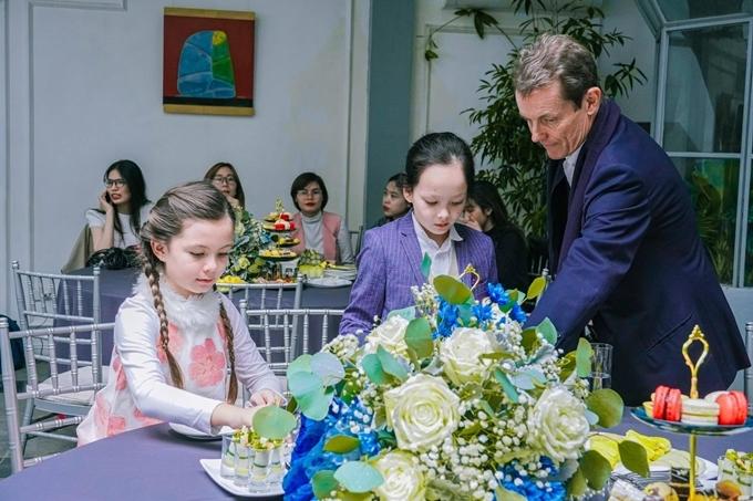 Bật mí về bạn trai Tây mới của diva Việt Nam được chồng cũ chu cấp 100 triệu/tháng - hình ảnh 9