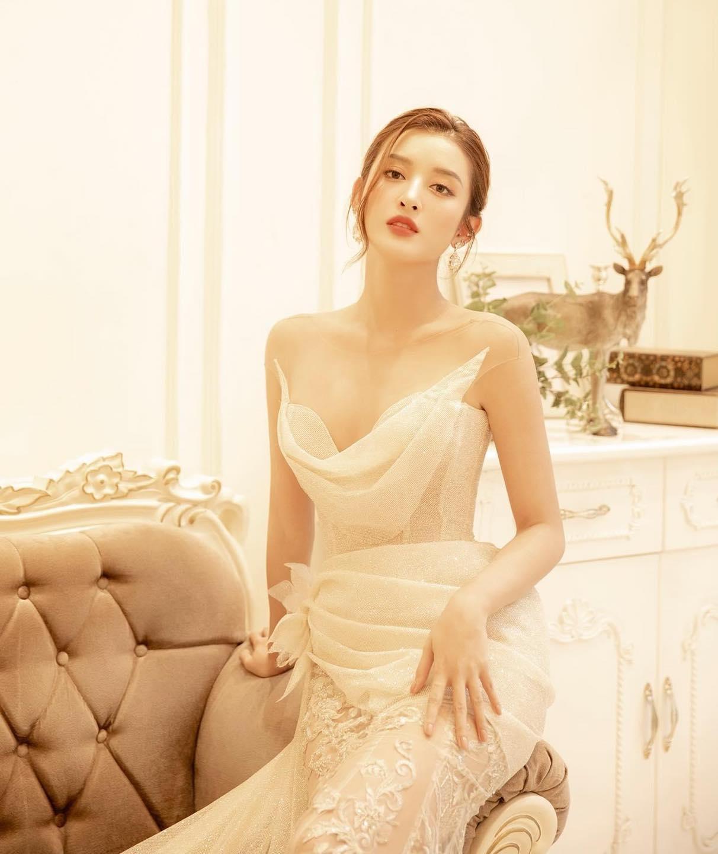 """Cô gái Việt được báo xứ Trung tung hô có khuôn ngực đẹp như """"đệ nhất vòng 1"""" nước này - hình ảnh 1"""