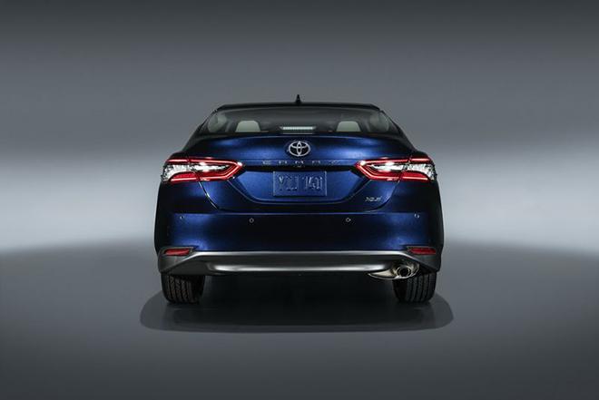 Rộ tin Toyota Camry 2021 sắp về Việt Nam, có thêm phiên bản thể thao XSE - 6