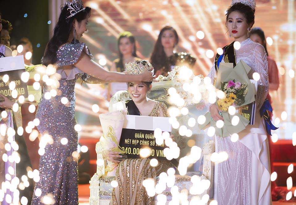 """Nữ giám đốc nóng bỏng quê Đắk Lắk đăng quang """"Nét đẹp công sở 2020"""" - 1"""