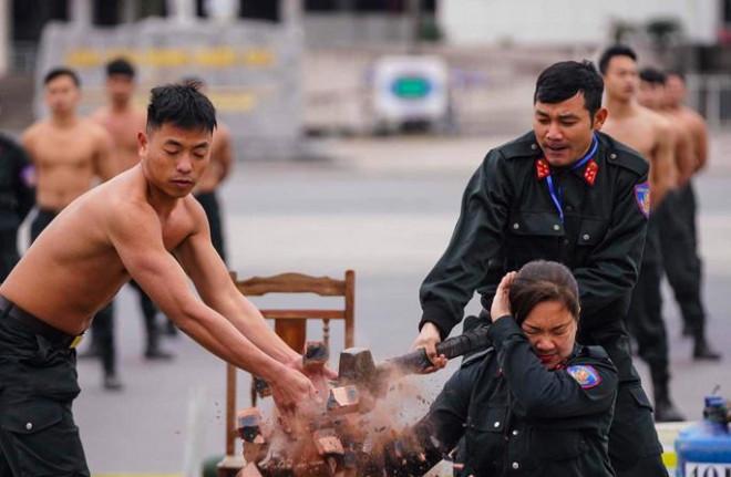 Cận cảnh diễn tập chống khủng bố bảo vệ nguyên thủ, bảo vệ Đại hội Đảng XIII - 3