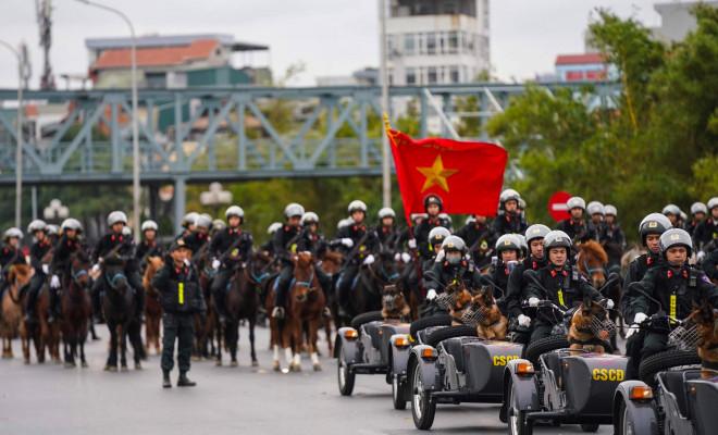 Cận cảnh diễn tập chống khủng bố bảo vệ nguyên thủ, bảo vệ Đại hội Đảng XIII - 13