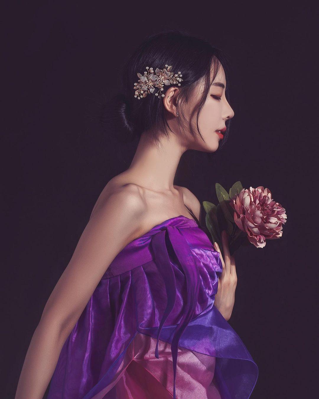 """Tân á hậu Hàn Quốc mặc hanbok hở nửa ngực nhưng không bị """"ném đá"""" - hình ảnh 8"""