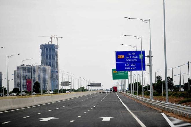 Toàn cảnh nút giao 400 tỉ vành đai 3 với cao tốc Hà Nội – Hải Phòng trước ngày thông xe - hình ảnh 12