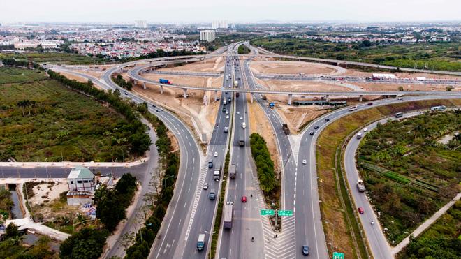 Toàn cảnh nút giao 400 tỉ vành đai 3 với cao tốc Hà Nội – Hải Phòng trước ngày thông xe - hình ảnh 4