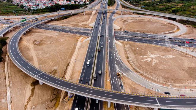 Toàn cảnh nút giao 400 tỉ vành đai 3 với cao tốc Hà Nội – Hải Phòng trước ngày thông xe - hình ảnh 6