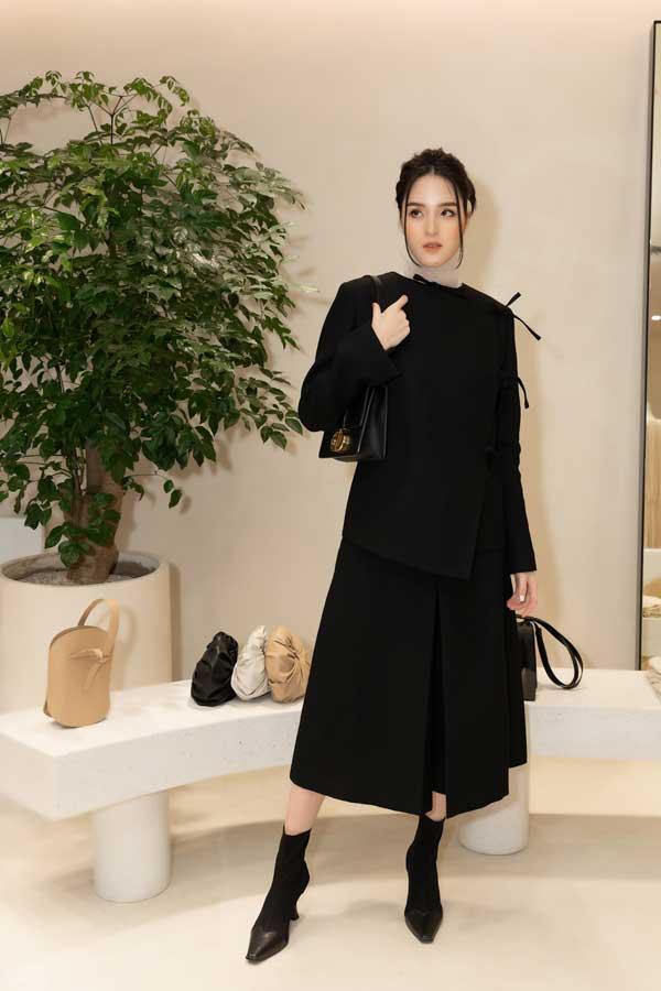 Mỹ Linh, Lương Thùy Linh, Trà Mi khoe vẻ đẹp lộng lẫy trong váy đơn sắc - hình ảnh 4