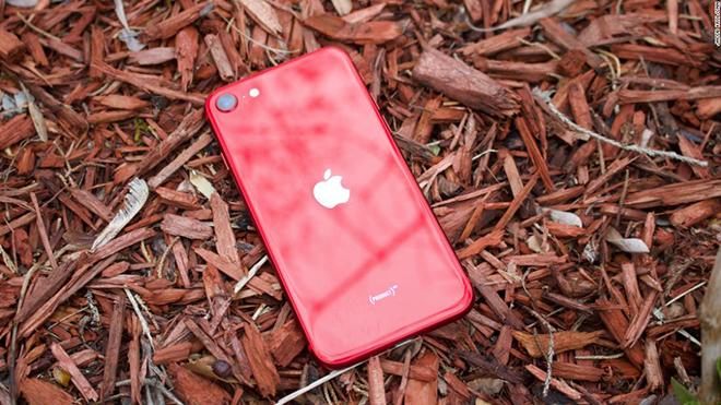 HOT: Sắp có iPhone SE 2021 và AirPods Pro 2 vào tháng 04? - 1