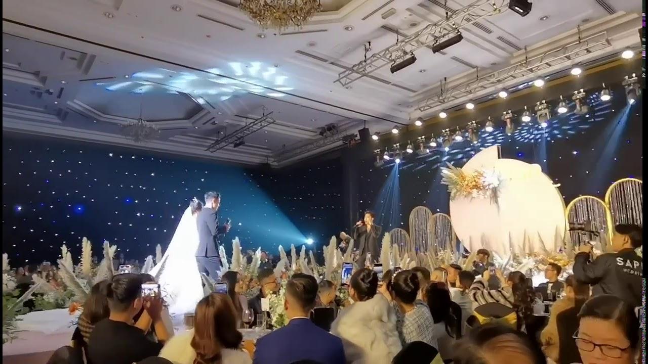 Chi Dân hát trong đám cưới Bùi Tiến Dũng, chú rể liền có ngay màn ngẫu hứng bất ngờ - 3