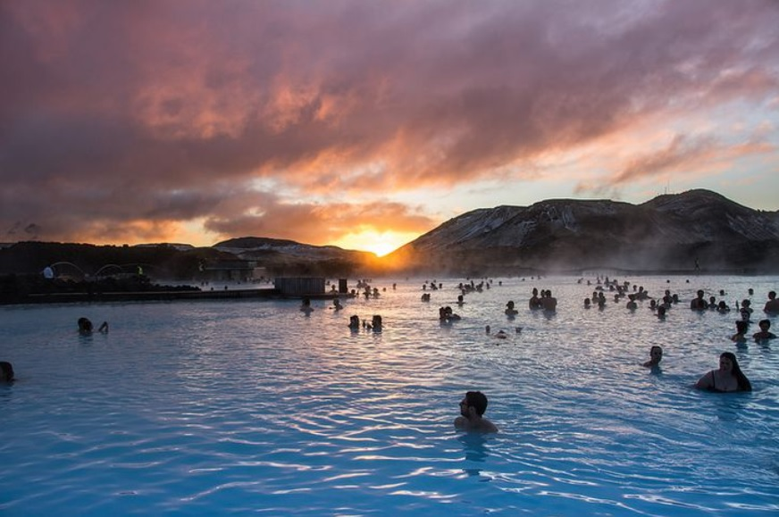 Suối nước nóng lộ thiên lớn nhất thế giới, nơi có thể nhìn thấy cả cực quang - 3