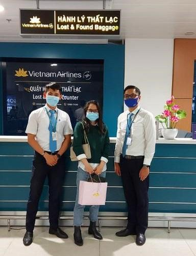 Nữ khách đánh rơi nhẫn kim cương trên máy bay từ TP HCM đi Hà Nội - 2