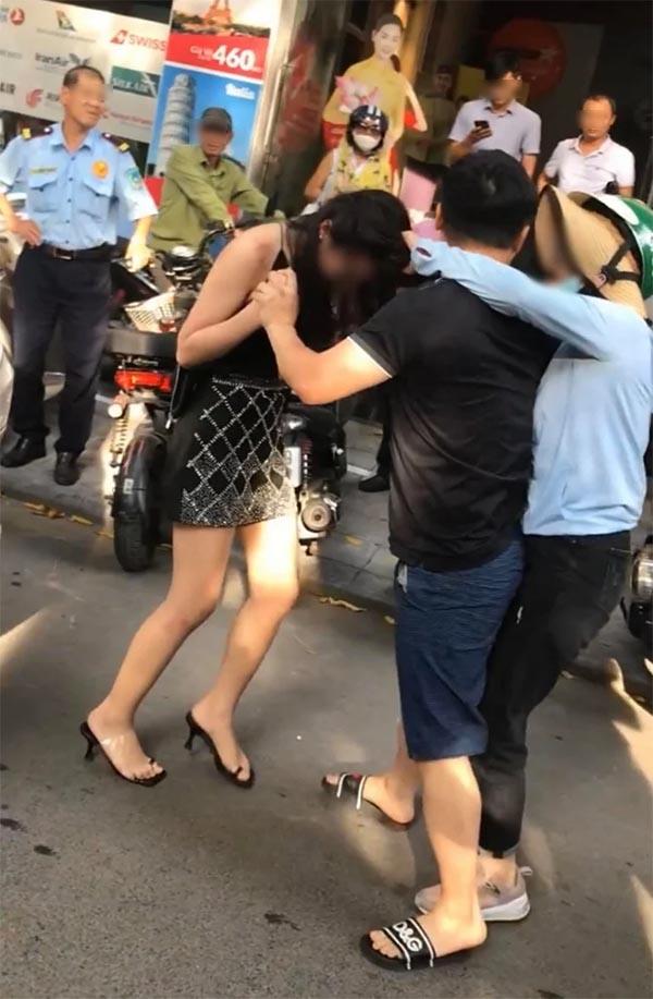 Cô gái bị đánh ghen trên phố Lý Nam Đế có mặt tại chung kết cuộc thi hoa hậu gây xôn xao - hình ảnh 1