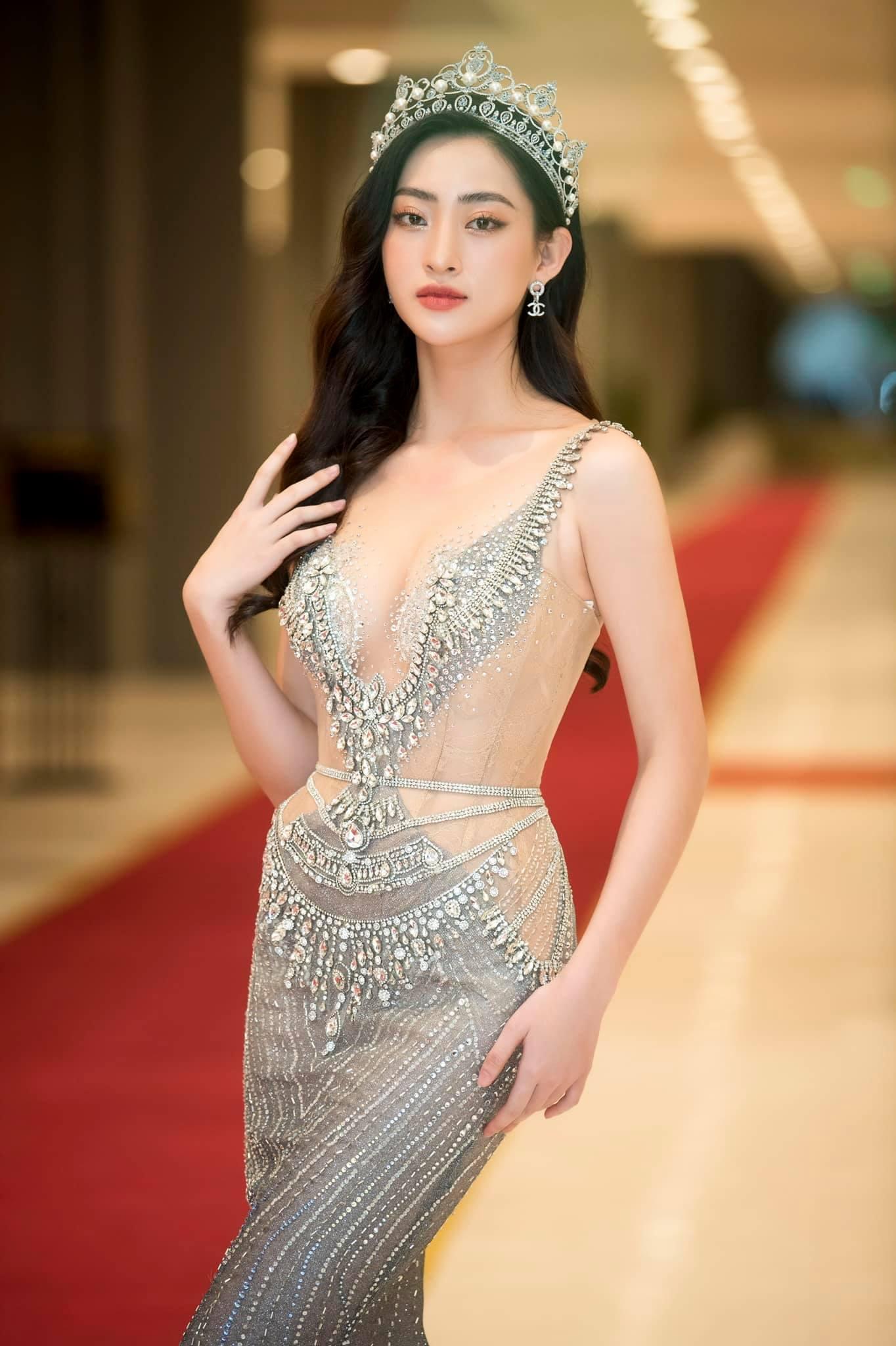 Hoa hậu Cao Bằng có số đo đẹp nhất lịch sử quấn khăn như thần Vệ nữ tôn body tượng tạc - hình ảnh 5