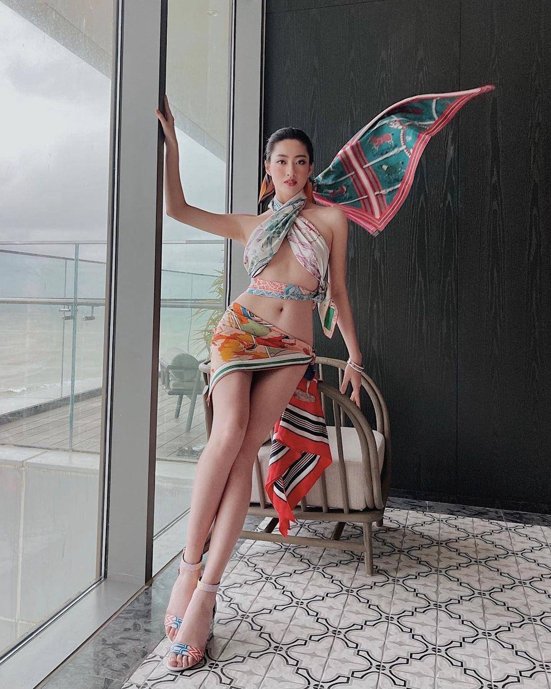 Hoa hậu Cao Bằng có số đo đẹp nhất lịch sử quấn khăn như thần Vệ nữ tôn body tượng tạc - hình ảnh 1