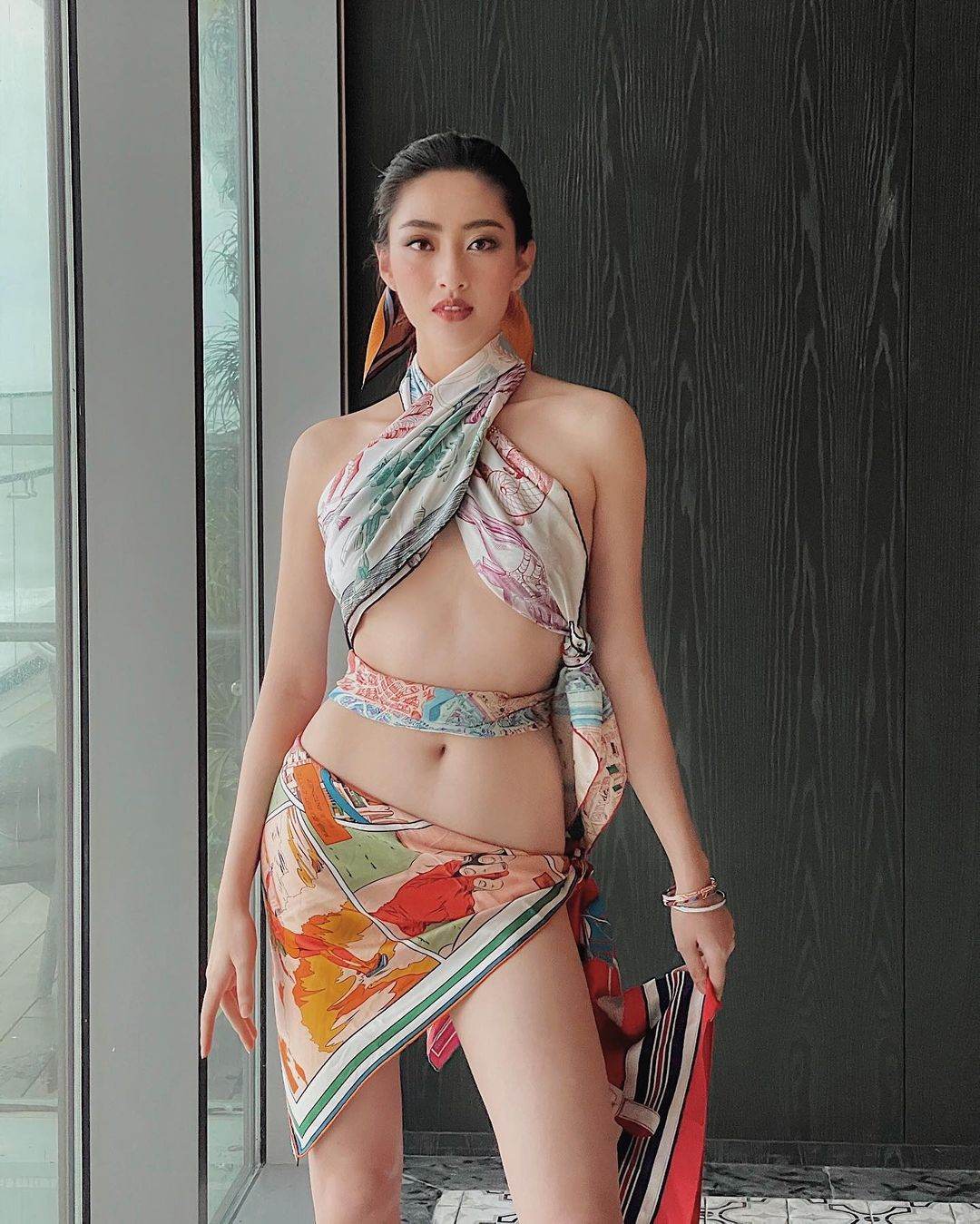 Hoa hậu Cao Bằng có số đo đẹp nhất lịch sử quấn khăn như thần Vệ nữ tôn body tượng tạc - hình ảnh 3