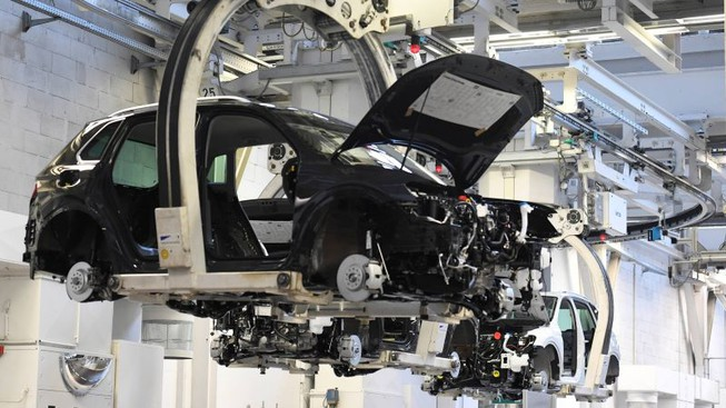 Toyota, Honda sắp tăng giá xe vì lý do này? - 1