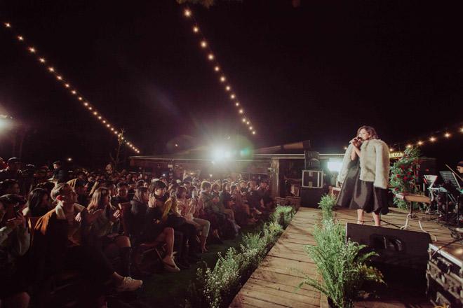Văn Mai Hương hát tiếng Anh, tiếng Hoa điêu luyện khiến khán giả bất ngờ - hình ảnh 5