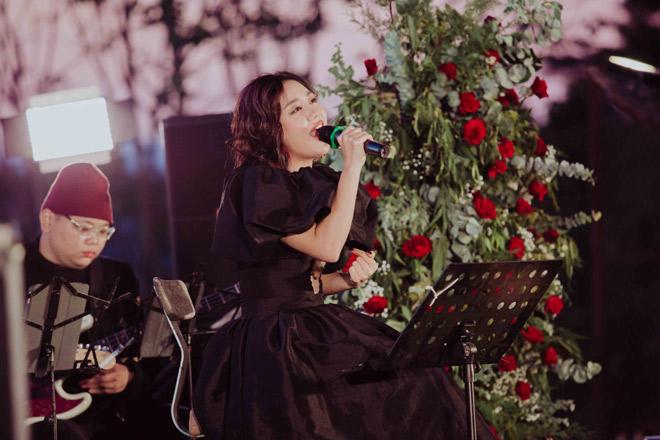 Văn Mai Hương hát tiếng Anh, tiếng Hoa điêu luyện khiến khán giả bất ngờ - hình ảnh 2