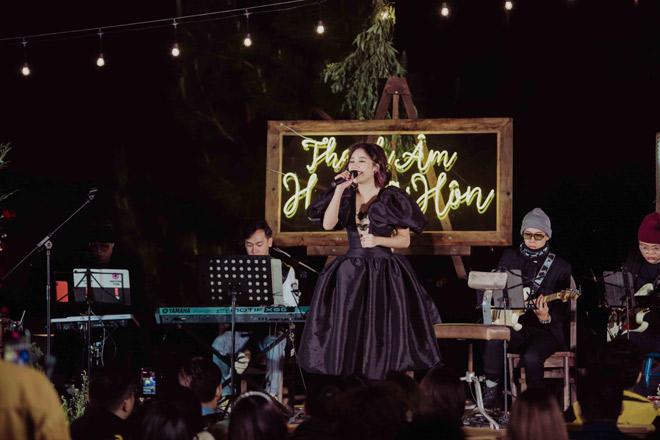 Văn Mai Hương hát tiếng Anh, tiếng Hoa điêu luyện khiến khán giả bất ngờ - hình ảnh 3