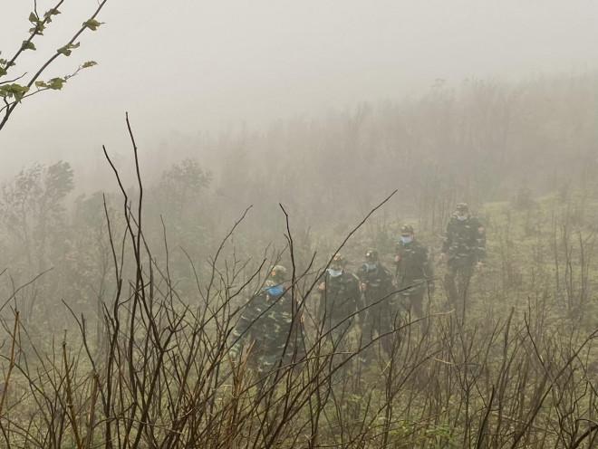 Xúc động hình ảnh lính biên phòng tuần tra giữa trời đông giá rét - 3