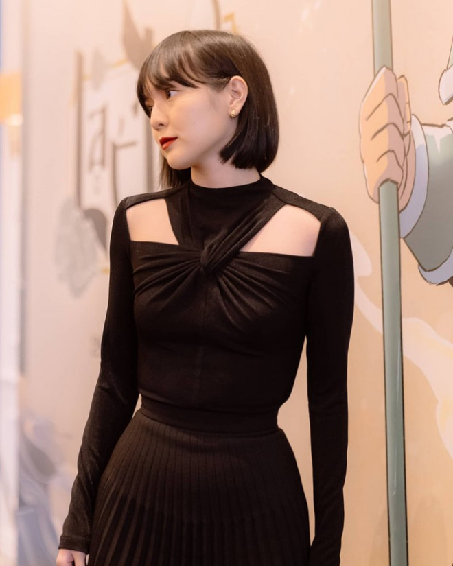 Nhìn 3 người đẹp V-Biz đụng hàng bộ váy đen mới thấy quá mảnh mai chưa chắc đã đẹp - 2