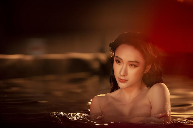Angela Phương Trinh mặc áo yếm, ngực lấp ló khoe khí chất nữ thần - hình ảnh 7