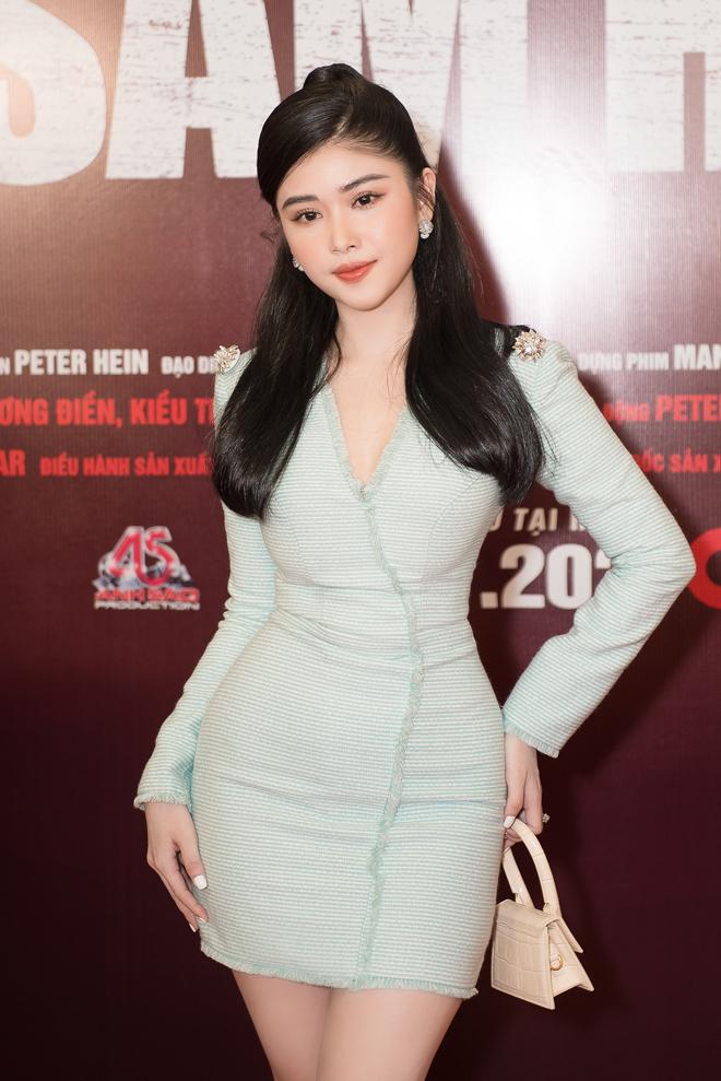 """Hoa hậu đất Mũi tỏa sáng trên thảm đỏ, """"không mặc hở vẫn thừa sexy"""" - hình ảnh 4"""