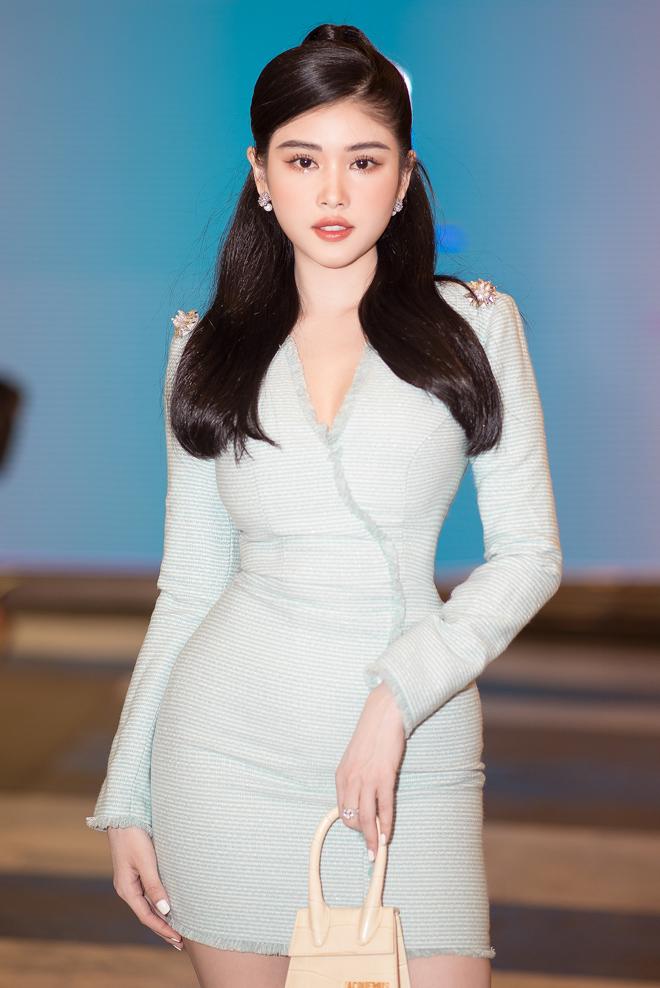 """Hoa hậu đất Mũi tỏa sáng trên thảm đỏ, """"không mặc hở vẫn thừa sexy"""" - hình ảnh 5"""