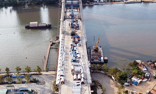 """Ảnh: Cầu biểu tượng mới ở TP.HCM bắc qua sông Sài Gòn """"đứng hình"""" sau 5 năm khởi công - hình ảnh 10"""