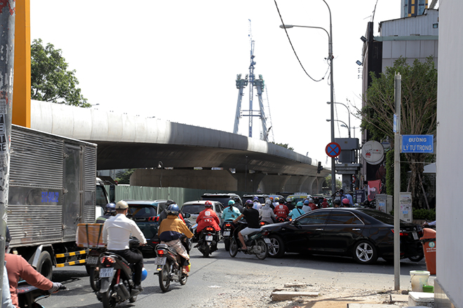"""Ảnh: Cầu biểu tượng mới ở TP.HCM bắc qua sông Sài Gòn """"đứng hình"""" sau 5 năm khởi công - hình ảnh 8"""