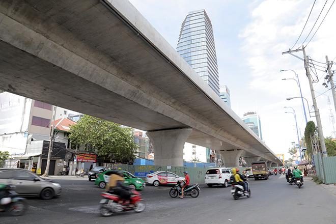 """Ảnh: Cầu biểu tượng mới ở TP.HCM bắc qua sông Sài Gòn """"đứng hình"""" sau 5 năm khởi công - hình ảnh 9"""