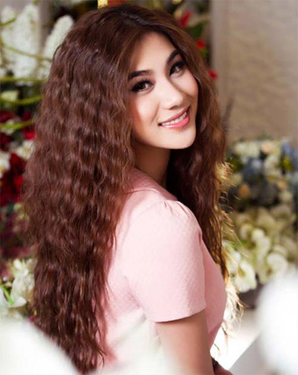 15 Kiểu tóc dài đẹp cho nữ thịnh hành nhất dẫn đầu xu hướng hiện nay - hình ảnh 7
