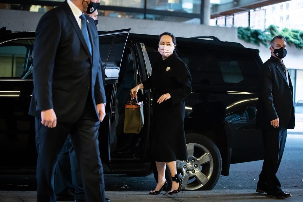 """Bị giam lỏng ở Canada, """"công chúa Huawei"""" vẫn sống sang chảnh bất ngờ - 2"""