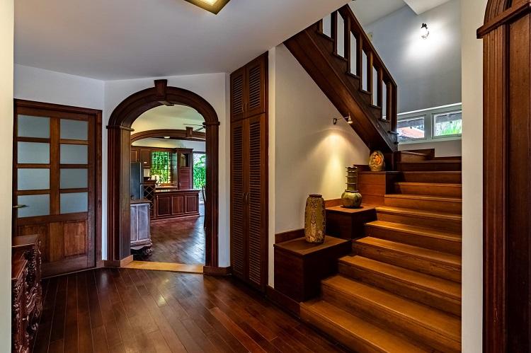 """Căn biệt thự """"phủ gỗ"""" ở Nha Trang, bên trong có cả phòng chiếu phim thu nhỏ - 7"""