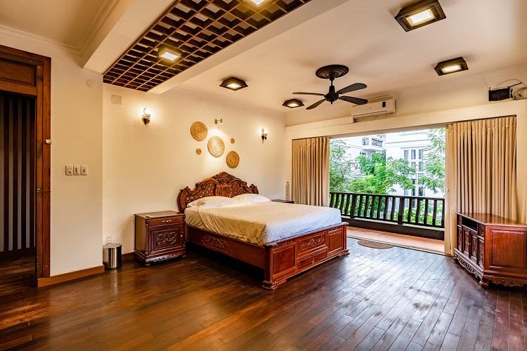 """Căn biệt thự """"phủ gỗ"""" ở Nha Trang, bên trong có cả phòng chiếu phim thu nhỏ - 10"""