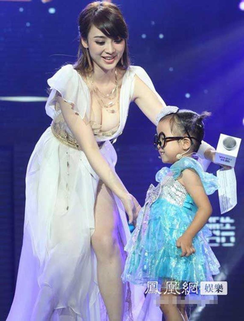 """""""Đệ nhất vòng 1 Trung Quốc"""" tuổi 41 vẫn là nữ thần nội y xứ tỷ dân - 7"""