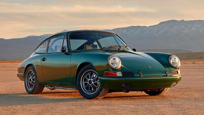 """Xe điện Tesla Model S P85 """"lột xác"""" thành xe thể thao Porsche 911 đời 1968 - 1"""