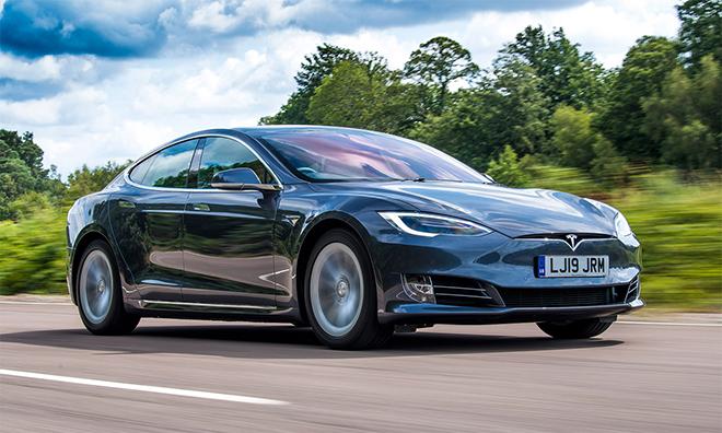 """Xe điện Tesla Model S P85 """"lột xác"""" thành xe thể thao Porsche 911 đời 1968 - 5"""