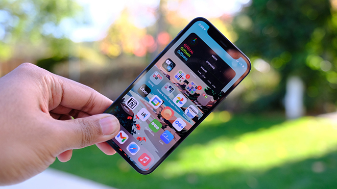 iPhone 12 Mini 64GB giảm chạm mốc 19 triệu, có nên mua hay không? - 1