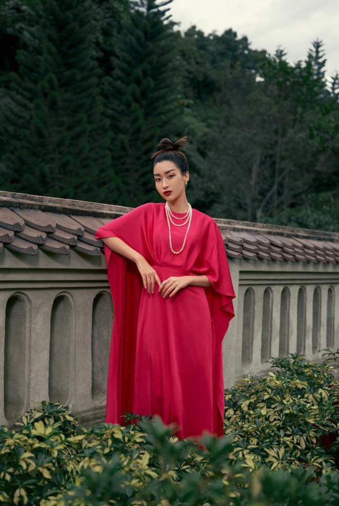 Hoa hậu Đỗ Mỹ Linh gợi ý chọn trang phục áo tứ thân cách điệu cho mùa Tết Tân Sửu - 6