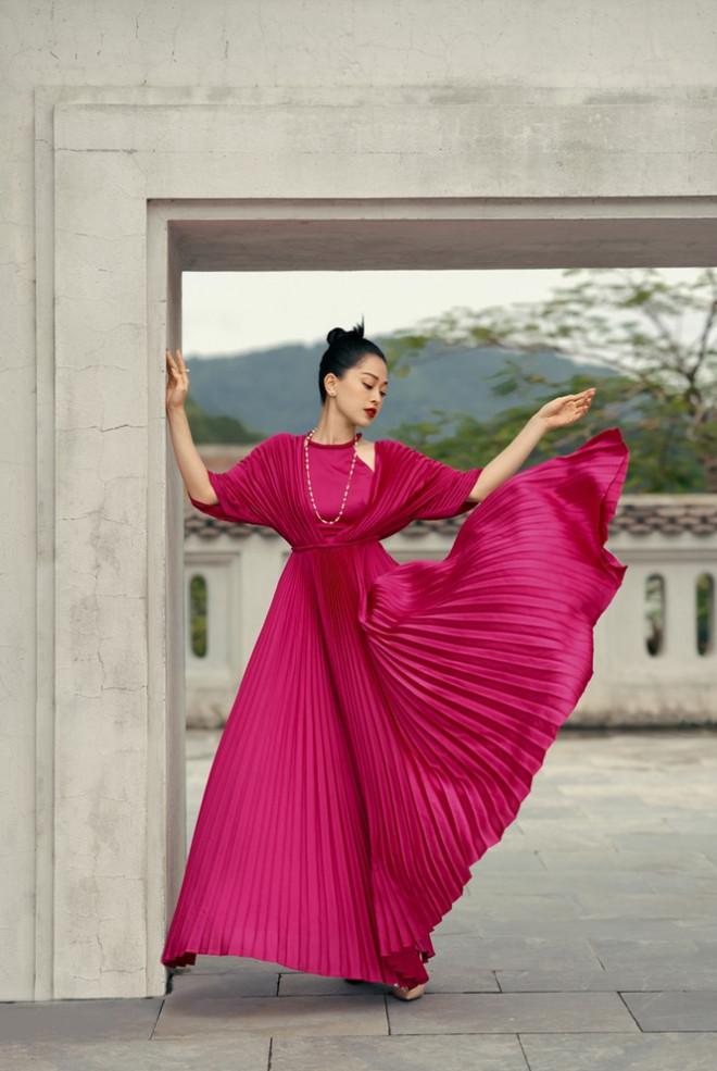 Hoa hậu Đỗ Mỹ Linh gợi ý chọn trang phục áo tứ thân cách điệu cho mùa Tết Tân Sửu - 4