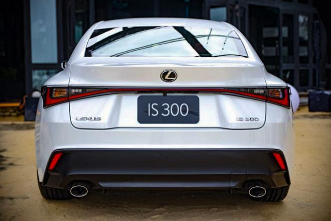 Giá lăn bánh Lexus IS thế hế mới tháng 1/2021 tại Việt Nam - 4