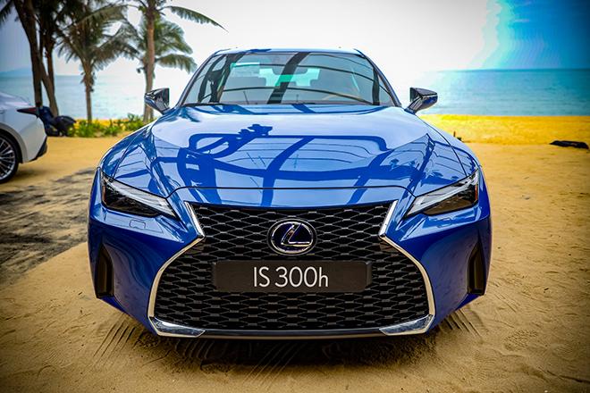 Giá lăn bánh Lexus IS thế hế mới tháng 1/2021 tại Việt Nam - 3