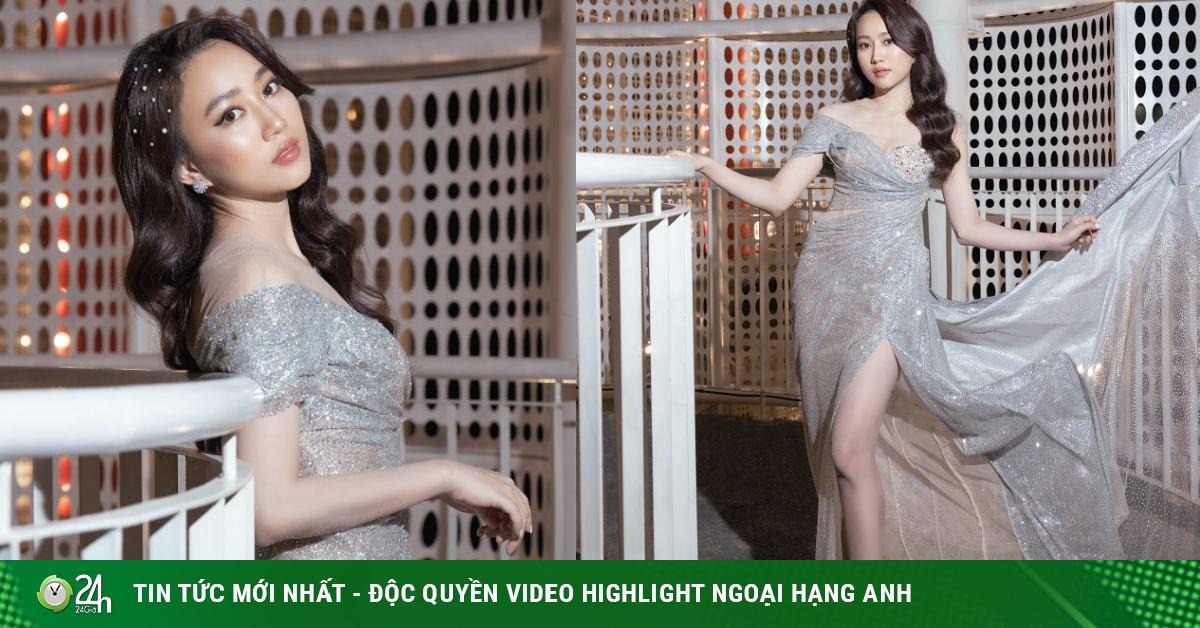 Huỳnh Hồng Loan diện váy xẻ cao tới hông, khoe chân...