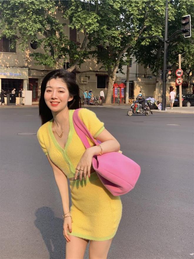Đắng như Thiều Bảo Trâm: Vừa khoe dáng đã bị nghi mặc đồ nhái của váy Jennie diện - 7