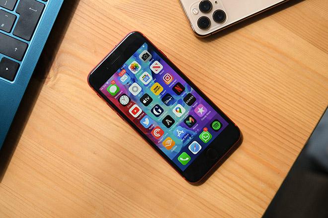 Lộ diện iPhone SE Plus mạnh như iPhone 12, iFan lại hóng đợi - 1