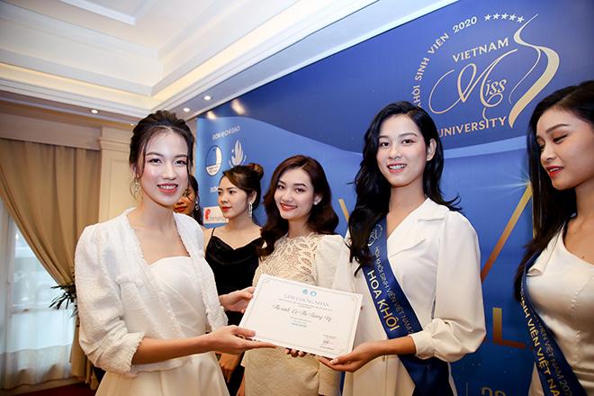 Vừa đăng quang, Hoa khôi, á khôi Sinh viên Việt Nam trở thành Gương mặt đại diện của Eva de Eva - 3