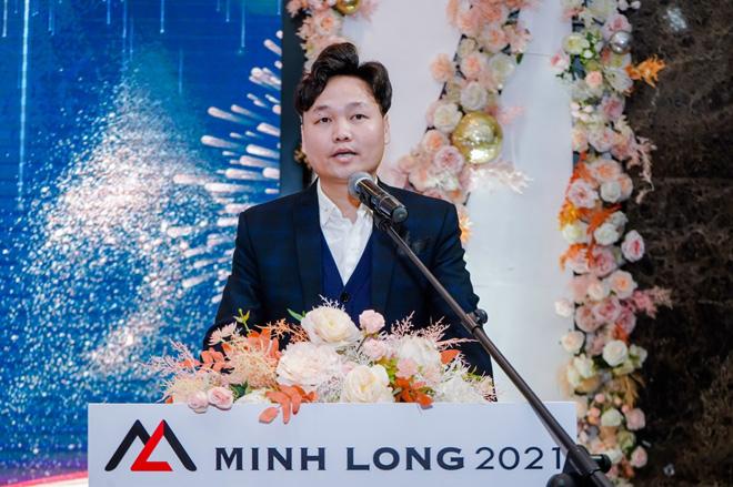 """Mỹ thuật Minh Long ra mắt BST """"Sắc màu kim loại 2021"""" - 3"""